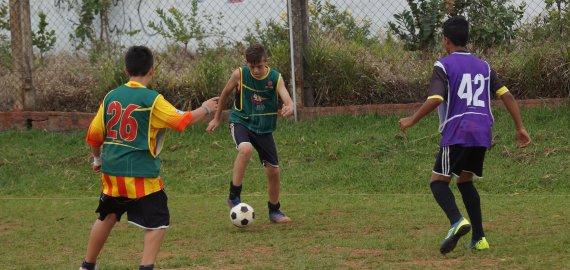 O futebol, um esportes para as crianças