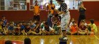 Colônia de Férias resgata brincadeiras antigas e oferece aula de circo